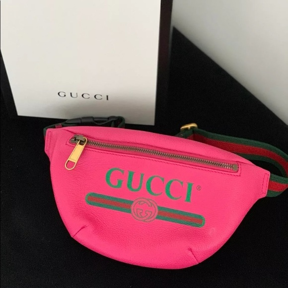 b56be9bb9ba8 Gucci Handbags - Authentic Gucci fanny pack / belt bag size S /75